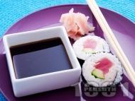 Суши с риба тон и авокадо
